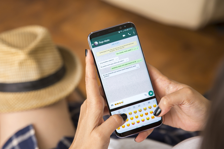 30 Cool WhatsApp Tips and Tricks You Should Be Using (2020)