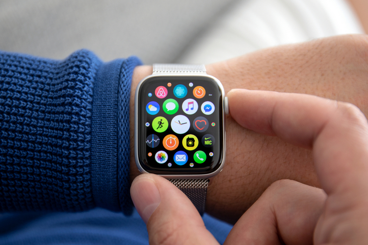 Affordable Apple Watch with Plastic Case, Ceramic Fiber Detailed in Latest Patent