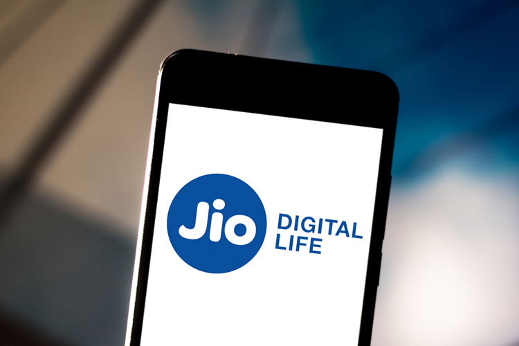 Facebook in Talks to Acquire 10% Stake in Reliance Jio: Report