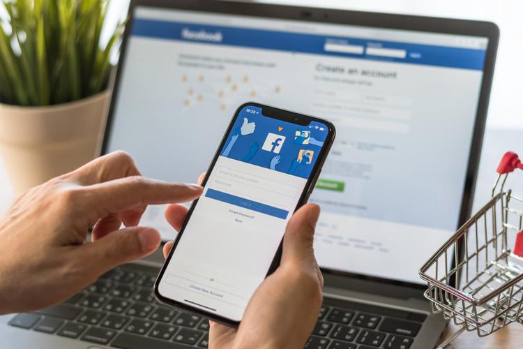 Facebook to Put Coronavirus Info on Top of Users' News Feed