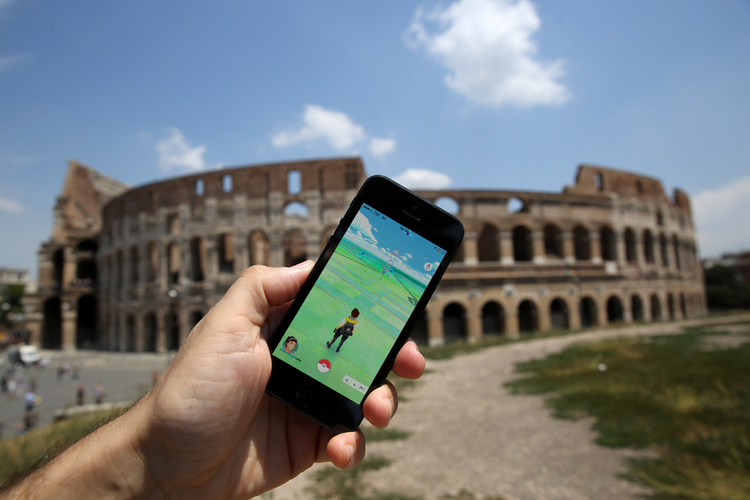 The Italian National Police Caught a Man Playing Pokemon Go