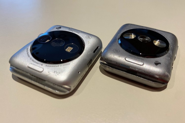 Check Out the First-Gen Apple Watch Prototype in these Live Images