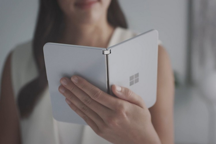 Check Out the First Photo Shot from the Surface Duo