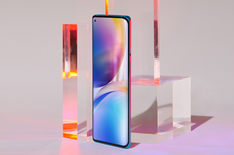 Download All the OnePlus 8 Wallpapers Right Here