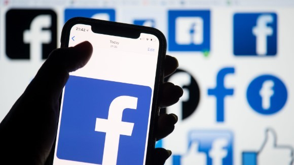 Facebook will notify users that interact with COVID-19 misinformation
