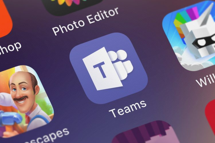 Microsoft Teams Gets Custom Backgrounds, Raise Hand, & Other New Features