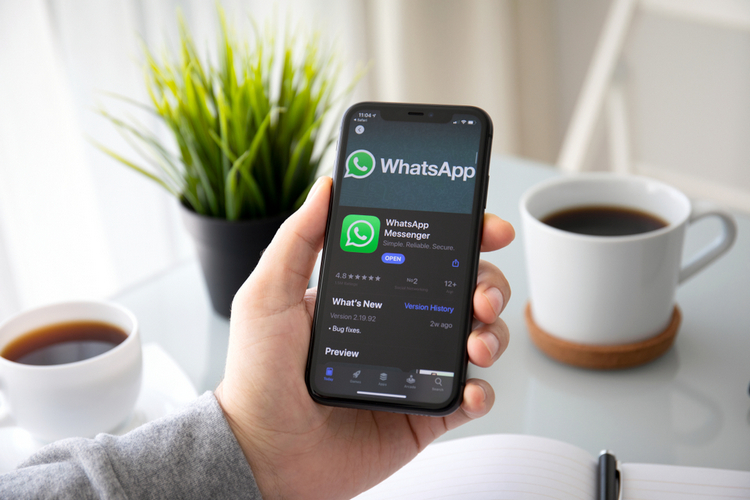 WhatsApp Adds Dedicated Video Call Button on Groups