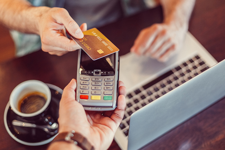 RBI Approves Contactless Payments via Credit and Debit Cards