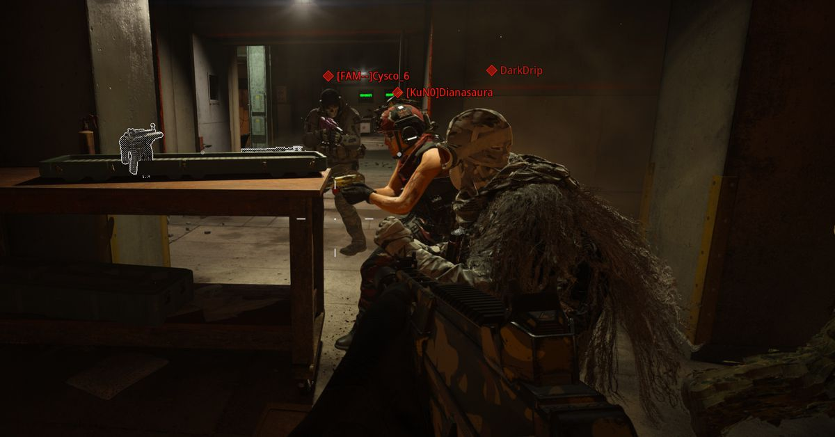 Some Call of Duty: Warzone players are making friends in Bunker 11