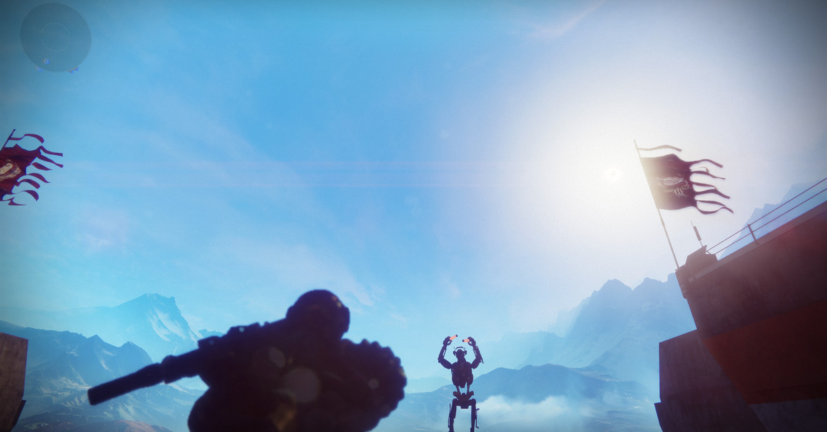 There's a big spaceship plummeting toward the Tower in Destiny 2