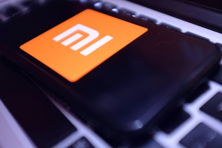 Xiaomi's New Patent Shows a Smartphone with a Flip Display on the Top