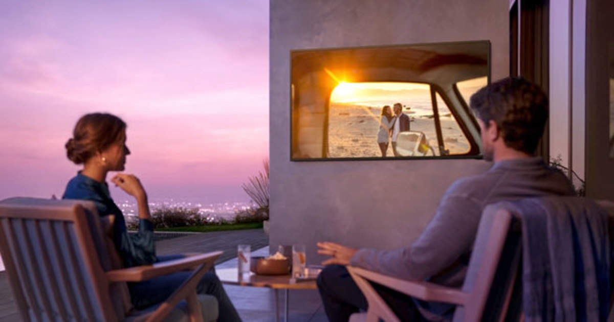 samsung outdoor tv: Samsung launches waterproof QLED TV, will be able to enjoy it in the open - samsung launched first outdoor and waterproof qled 4k tv named the terrace, know details