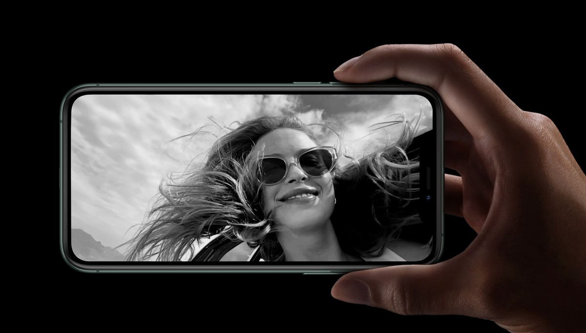 Apple's new patent is about clicking socially distant group selfies