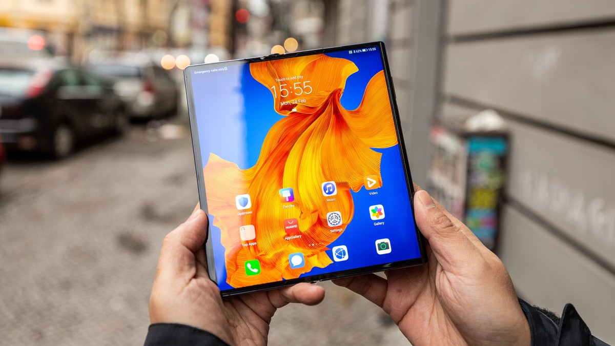 Huawei and Xiaomi may use ultra-thin glass for their foldable phones as well
