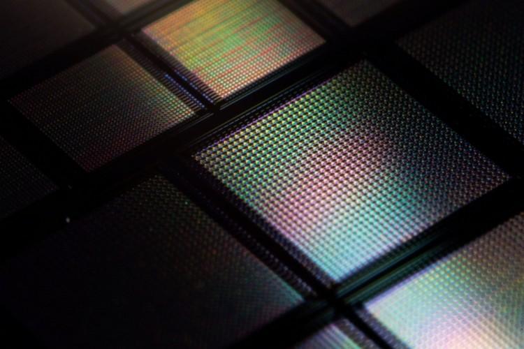 MIT Researchers Develop a Super-Computing Smartphone Chip