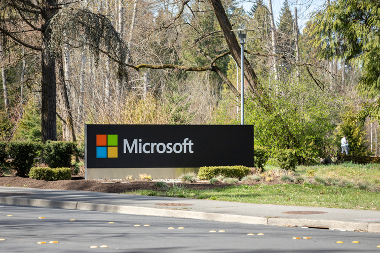 Microsoft's AI Journalists Confused Two Mixed-Race Singers