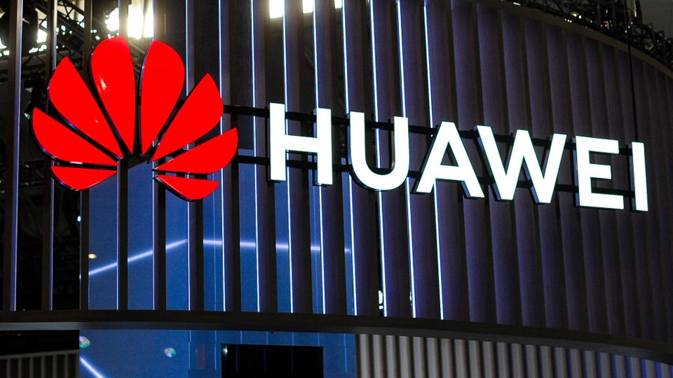 US permits companies to work with Huawei on developing 5G standards