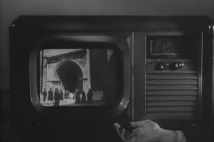 1947 French Film Predicted Our Obsession With Digital Screens
