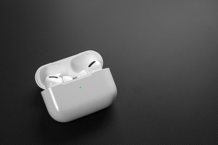 This Nifty Trick Lets You Easily Check the Battery of AirPods Pro