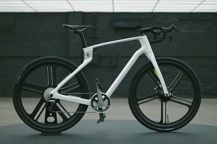 This is the World's First 3D Printed Unibody Carbon Fiber Bicycle