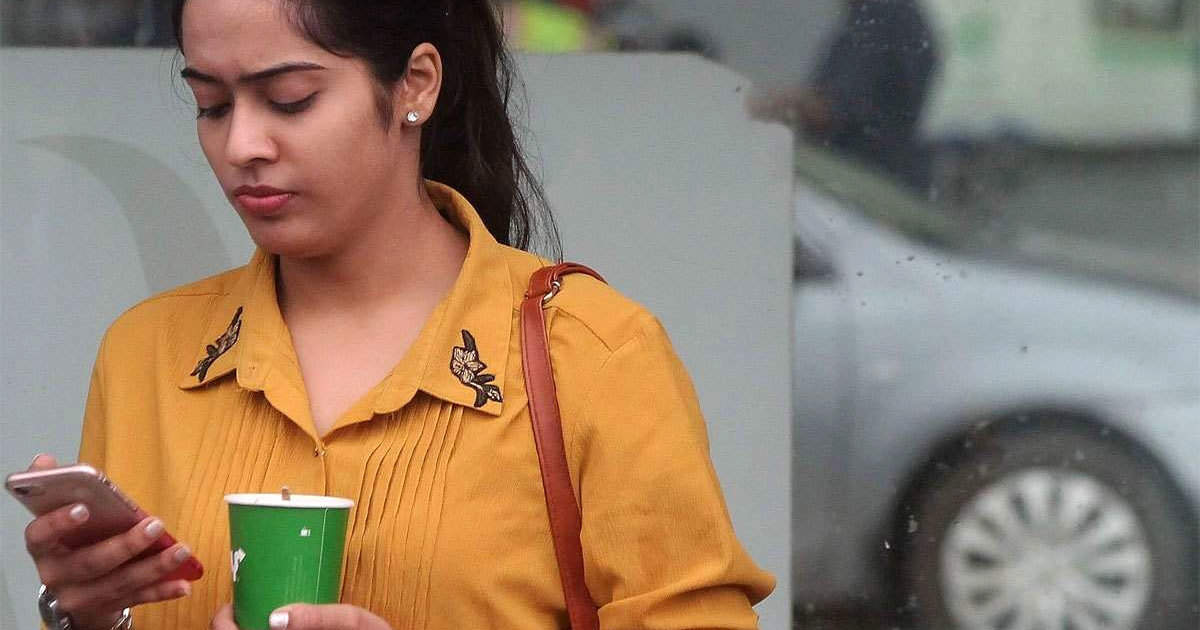 telecom plans: Airtel, Vodafone-Idea 10 million users reduced in lockdown, Jio benefits - airtel, vodafone-idea lost 1 crore users in april month, jio adds more than 15 lakh