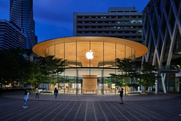 Apple Opens Its First All-Glass Apple Store in Bangkok
