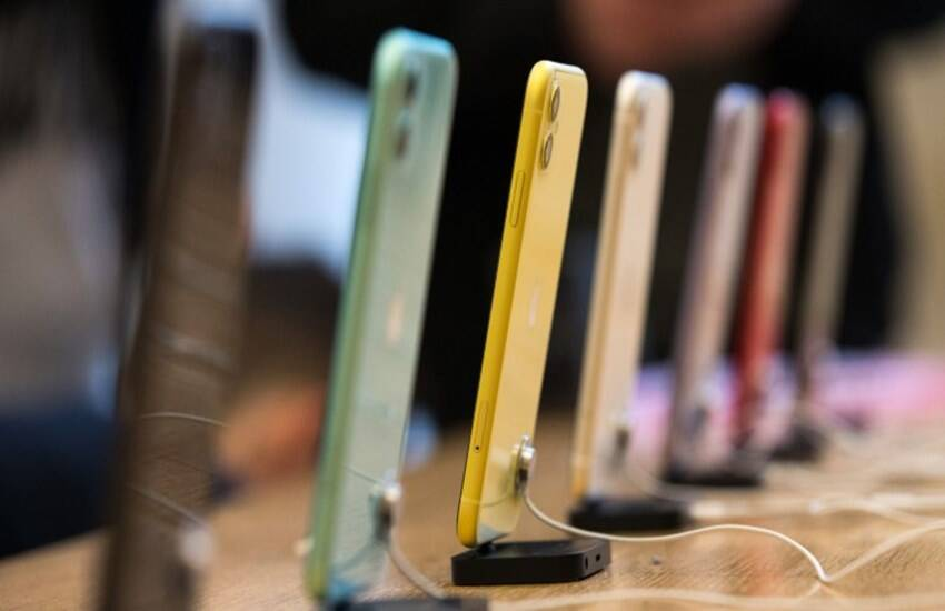 coronavirus lockdown india china tension impact on smartphone market contract by 51 percent xiaomi samsung vivo realme oppo