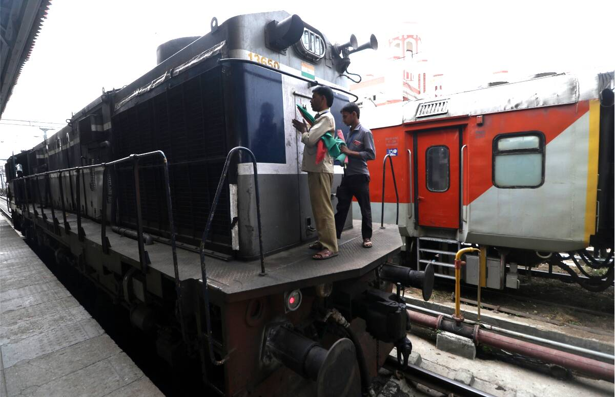 IRCTC Indian Railways 80 Special Trains Full List: Railways runs additional 40 pairs of more special trains from 12th September 2020 - IRCTC Indian Railways: 80 special trains are going to start today, see the full list of trains here