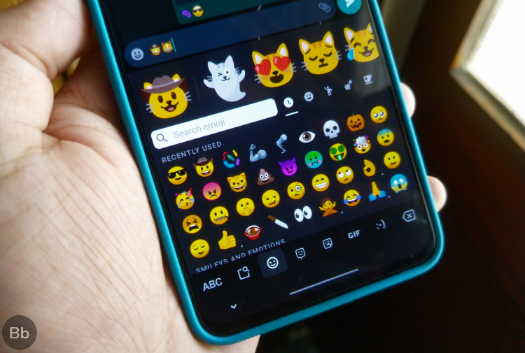 Android 12 May Let You Update Emojis Without System Updates