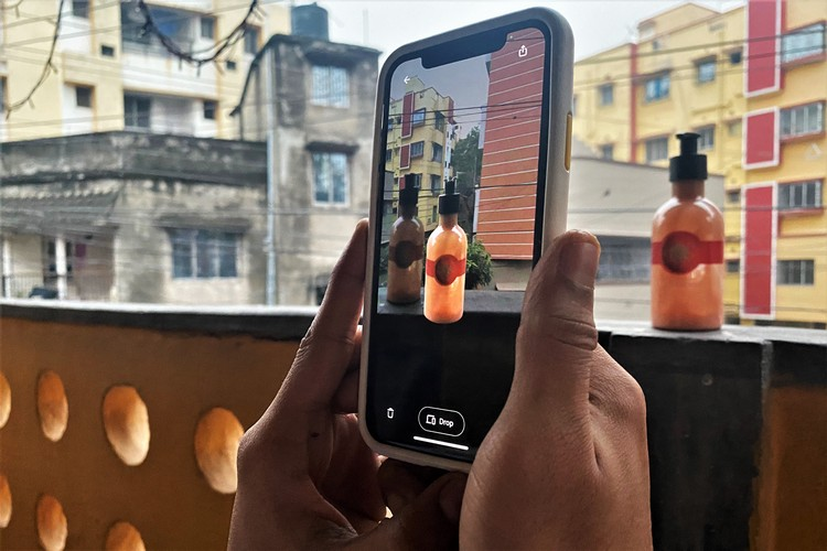 How to Copy and Paste Real-World Objects in AR [Guide]