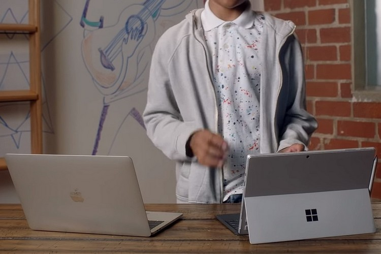 Microsoft Wants You Get Its Surface pro 7 over a MacBook Pro