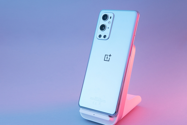 OnePlus 9 Pro Users Report Overheating Issues; Fix Coming Soon